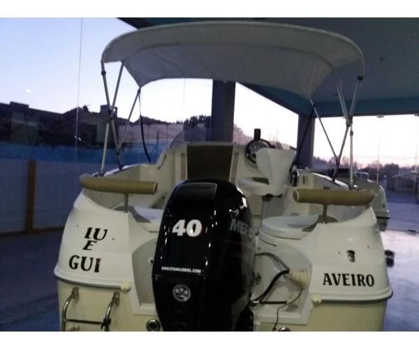 2.5 Barco semi cabinado quicksilver 470 com motor semi novo mercury 60hp 4 tempos EFI ,= 40xpro