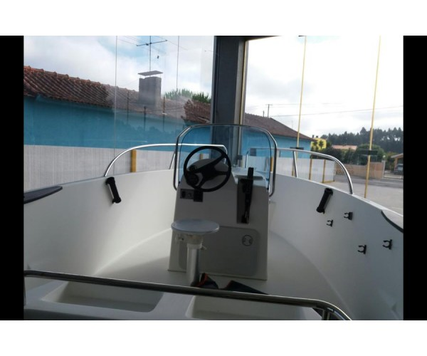 2.6 BARCO CONSOLA CENTRAL 480 COM MERCURY 60HP EFI