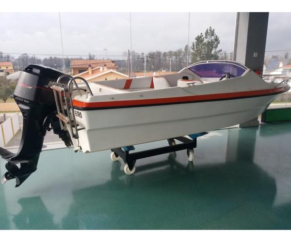 6.6 barco Argus 400 sport com Mercury 30HP RESERVADO