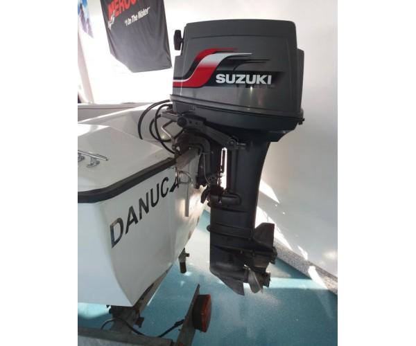 7.1 Barco 4m com motor Suzuki 30Hp reservado